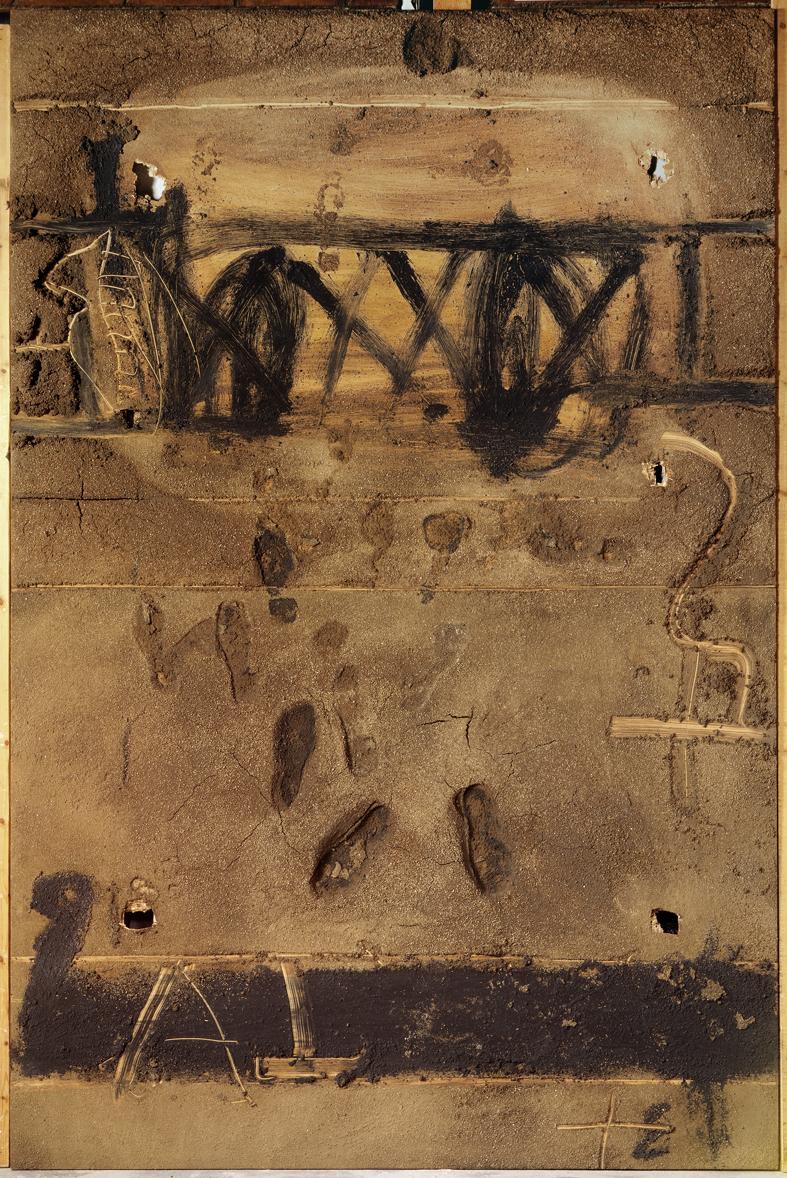 Antoni Tàpies, Gran materia amb petjades, 1992, mixed media on wood, 118 x 78 3/