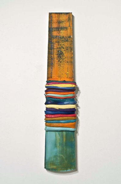 Leslie Wayne, Colorbar #2, oil on panel, 34 x 7 inches, 2012 (courtesy of the ar