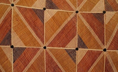 (detail) Ivan Manirrkki, Untitled, 2007; ochres with PVC fixative on stringybark