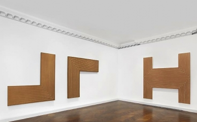 (detail) Installation view, Frank Stella: Black, Aluminum and Copper Paintings a