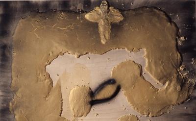 Antoni Tàpies, Matèria sinuosa, 2010 (© Comissió Tàpies/VEGAP, Courtesy of Timothy Taylor)