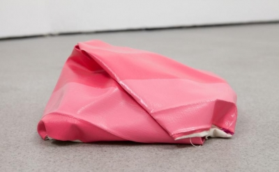 Angela de la Cruz, Mini Nothing 9 (pink), 2010 (courtesy of the artist and Castl