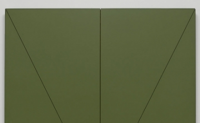 Robert Mangold, V Series: Central Section (Vertical), 1968, acrylic and black pe