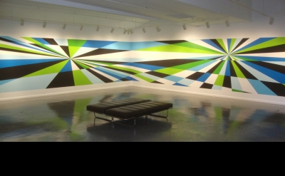 Aaron Parazette, Flyaway, 2012, acrylic wall painting, 7 x 56 feet (courtesy of