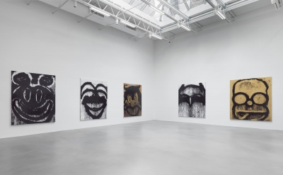 Installation view, Joyce Pensato, Castaway Petzel Gallery, New York (courtesy of