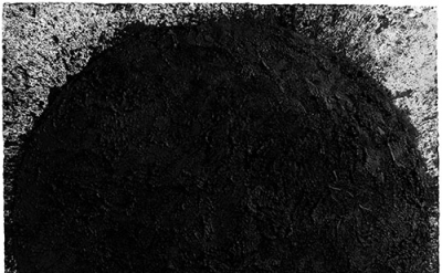 Richard Serra, out-of-round X, 1999, paintstick on handmade Hiromi paper,  79 ½