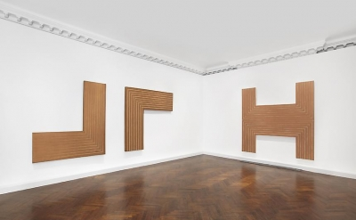 Installation view, Frank Stella: Black, Aluminum and Copper Paintings at L&M Art